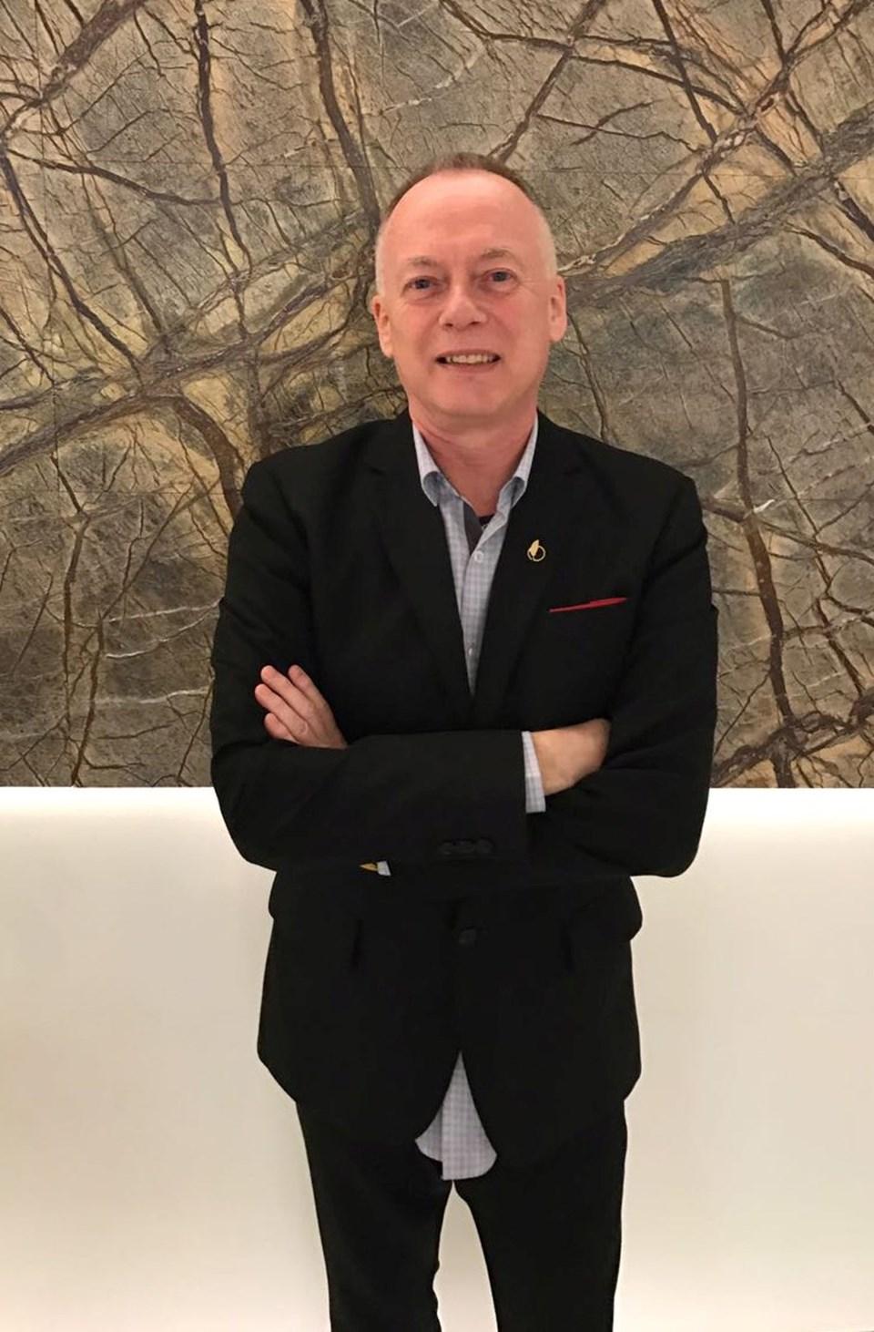 Terapist Paul Emery