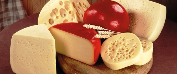 123329__cheese-varieties-are-different-the-board_p