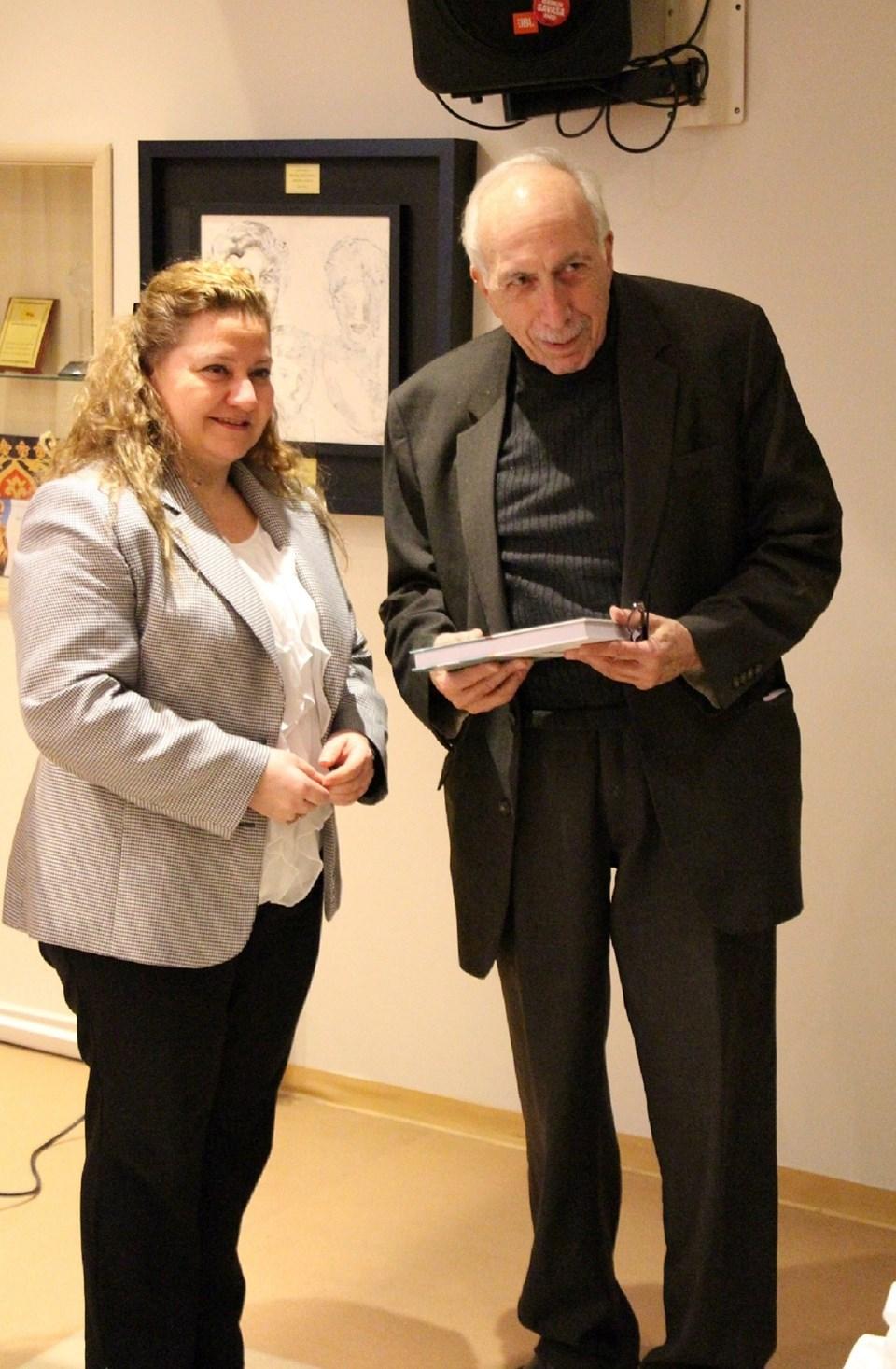 Pedagog Banu Bingöl, Prof. Dr. Selçuk Erez