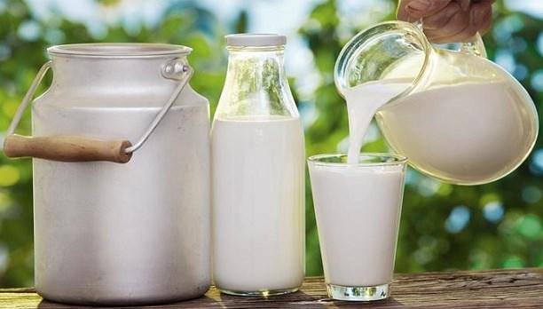 Sıcak havada, soğuk zinciri bozulmuş süte dikkat.jpg
