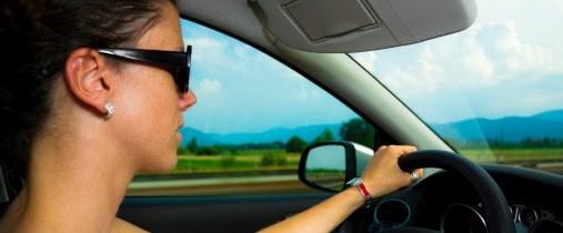 güneş gözlüğü.araç.jpg