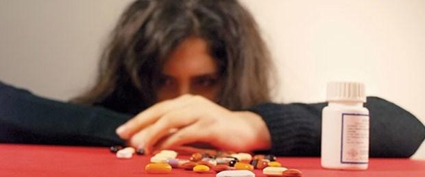 Türkiye'de her 10 kişiden 1'i antidepresan kullanıyor.jpg