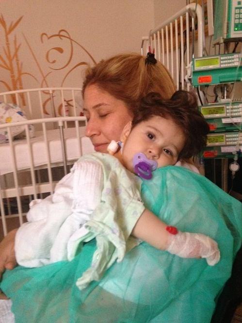 Kartal bebek hayatta kalmak için kalp nakli bekliyor.