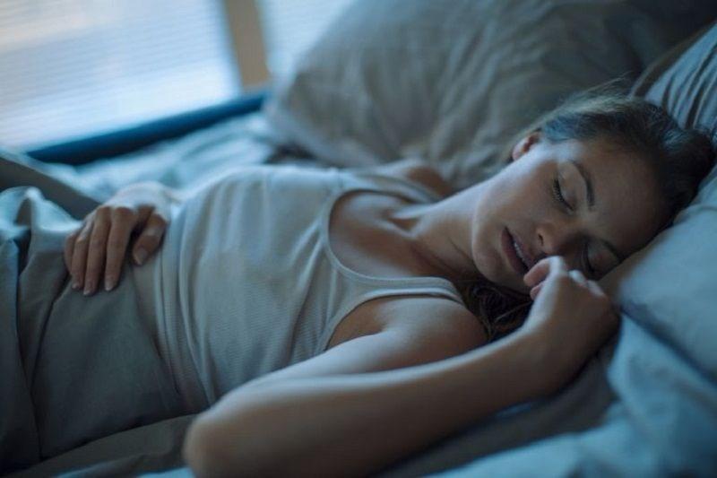 Hastayken uyumak yerine direnmek gerekiyor