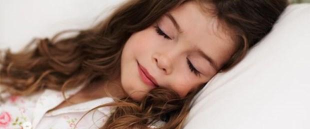 Uykusuz çocuklar başarısız oluyor