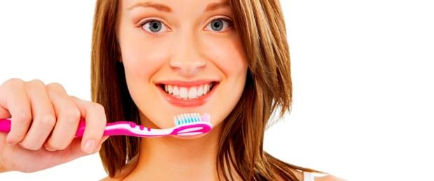 Yemekten hemen sonra diş fırçalamak zararlı