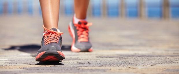 Yürüyüş kalbi koruyor, ağır spor vuruyor.jpg