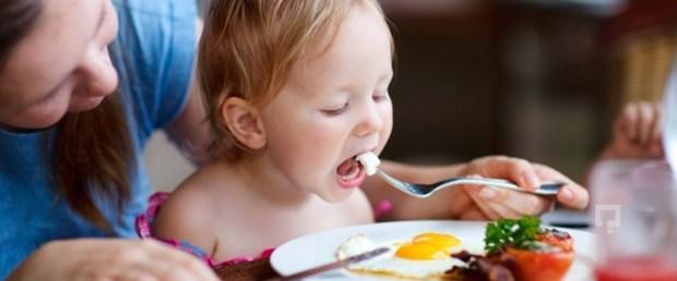 Zayıf çocuk geleceğin obezi mi.jpg