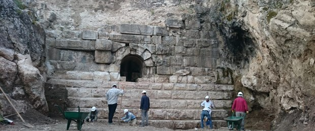 2-bin-yillik-orukaya-barajinda-kurtarma-kazisi-tamamlandi_5652_dhaphoto2.jpg