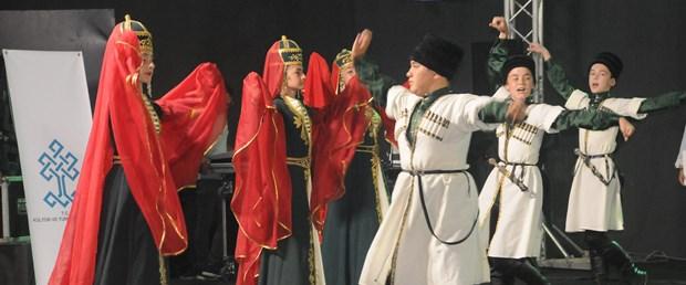 20.-turk-boylari-kultur-soleni_3739_dhaphoto4.jpg
