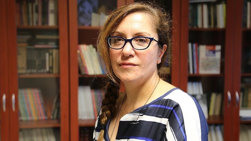 Prof. Dr. Handan İnci,Ahmet Hamdi Tanpınar arşivini dijital ortama aktardı.