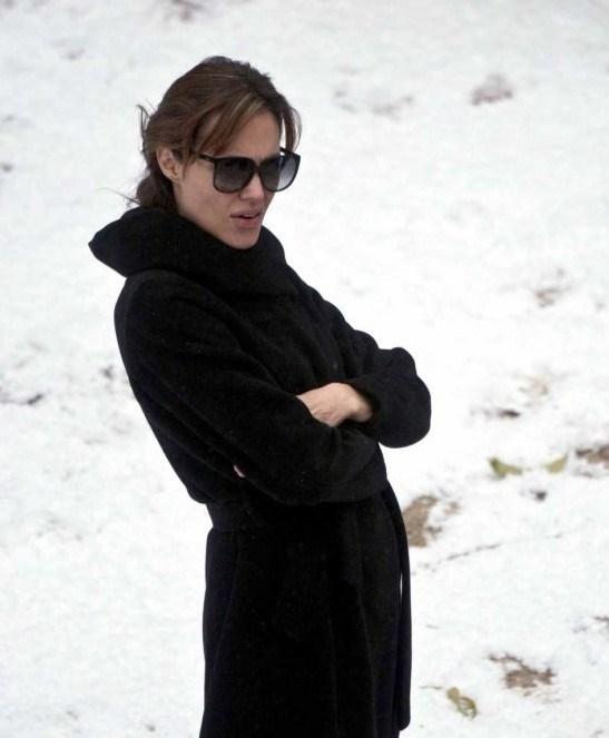 Angelina Jolie ilk kez...