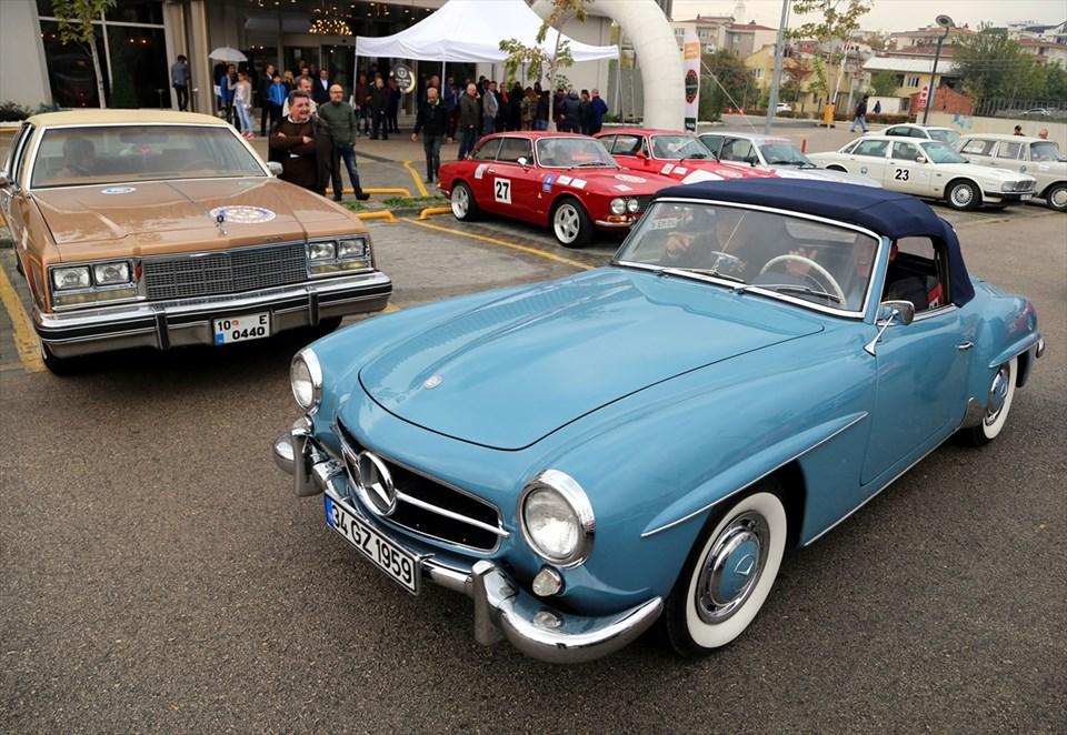 Bursa\'da klasik otomobil turu - 8 | NTV