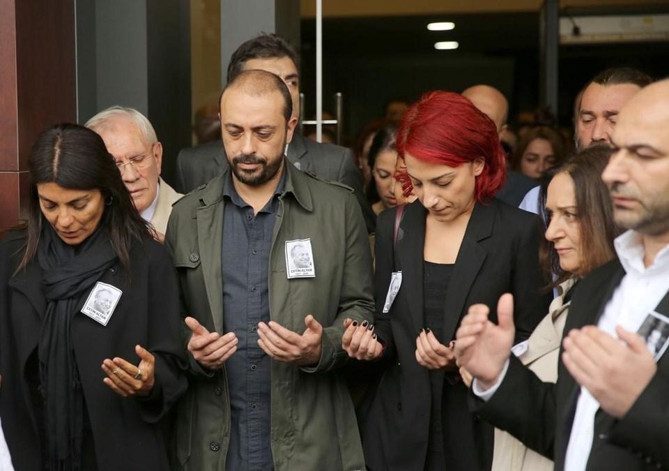 Çetin Altan'ın torunlarıSanem-Kerem Altan.