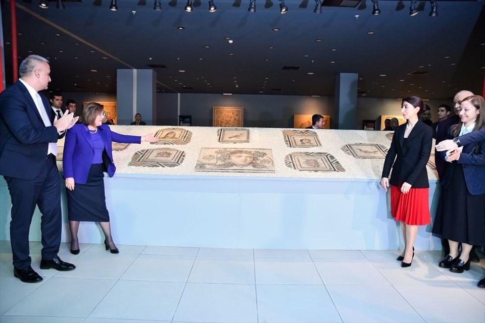 Çingene Kızı, Çingene Kızı mozaiği, Çingene Kızı mozaiği, Çingene Kızı'nın kayıp parçaları