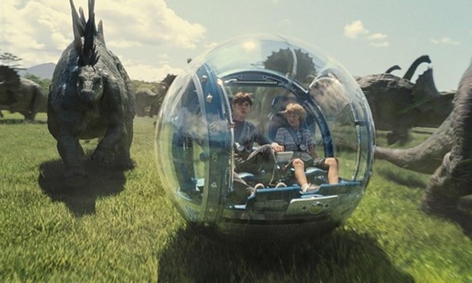 Legendary Entertainment, geçtiğimiz yıl vizyona giren ve hatırı sayılır bir gişe hasılatı lede eden Jurassic World'ün de yapımcılarından birisiydi.