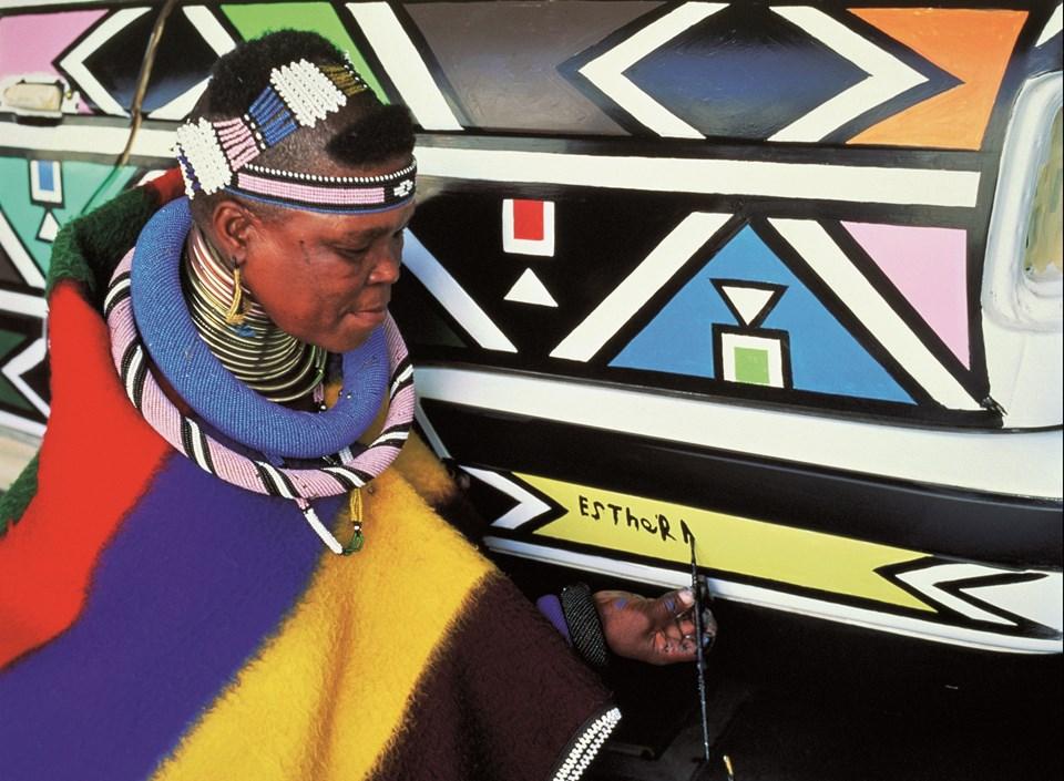 Contemporary Istanbul'da Güney Afrikalı sanatçının eserine ünlülerden büyük ilgi