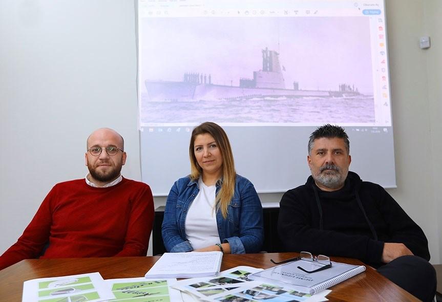 Yönetmen Ömer Faruk Sorak (sağda) Yapımcı Necmettin Sancak (solda) Senaryo Yazarı ve Proje Tasarımcısı Seda Demirtaş(ortada)