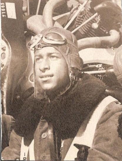 Dünyanın ilk siyah pilotu bir Türk'tü