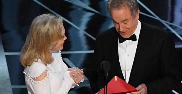En İyi Film Oscar'ını yine Faye Dunaway ve Warren Beatty sunacak
