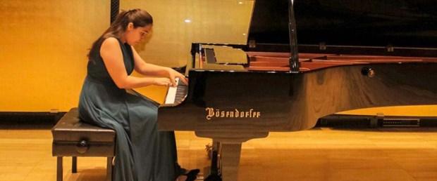 piyanonun-superleriarya-ve-damla-rusyadan-da-odulle-dondu_4039_dhaphoto5.jpg