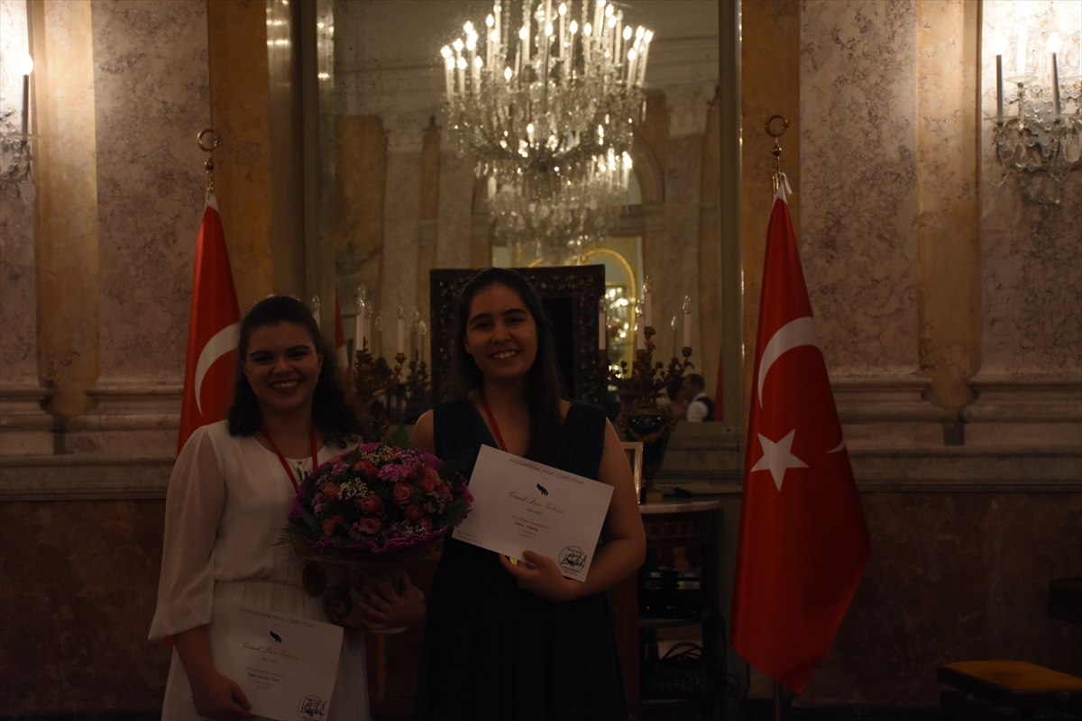 Genç Türk piyanistlere Viyana'da birincilik ödülü