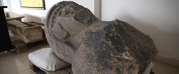 kadın heykeli.jpg