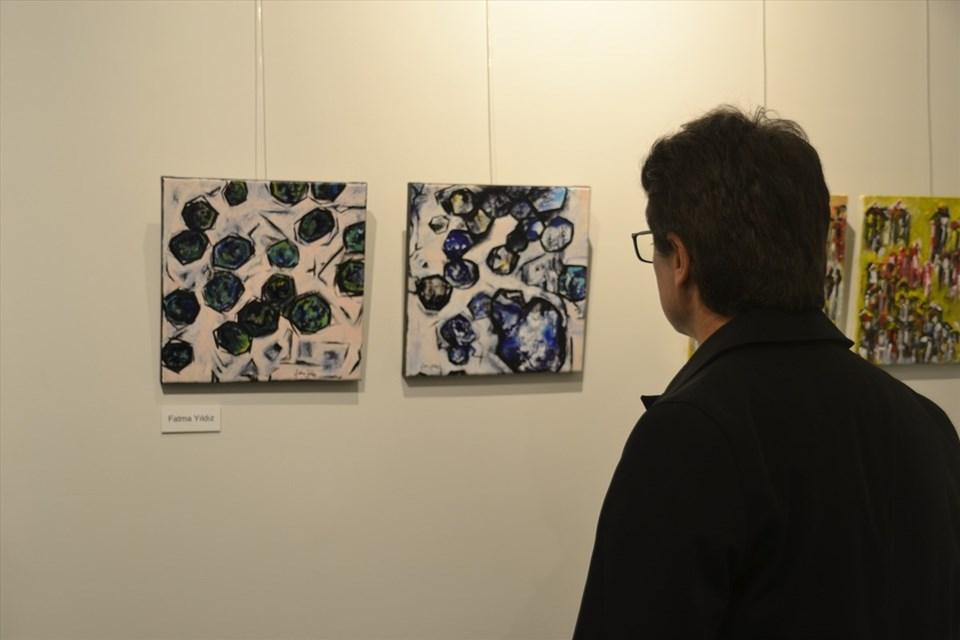Farklı tekniklerle hazırlanan 56 tablonun yer aldığı sergi, 8 Nisan'a kadar görülebilecek.