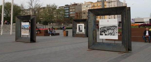 iki-ulke-bir-kamera-taksim-meydaninda-sergilendi_8077_dhaphoto2.jpg