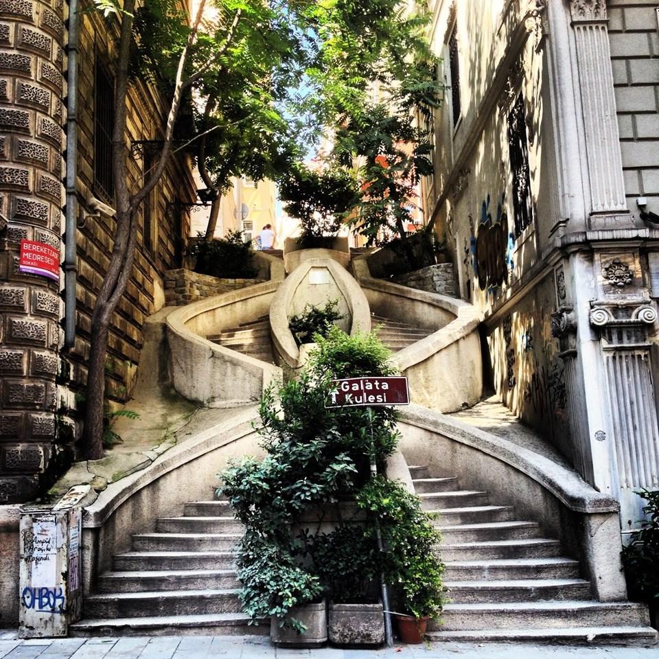 Kamondo Merdivenleri, Fındıklı