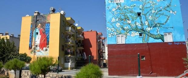 kentin-duvarlari-sanatla-hayat-buluyor_5194_dhaphoto8.jpg