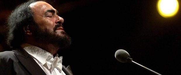 luciano-pavarotti-2007,IZjdfQiwd0mg--R4bLTaLg.jpg