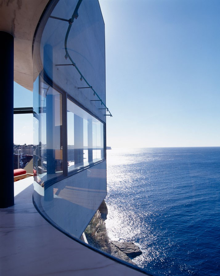 Okyanusa açılan ev