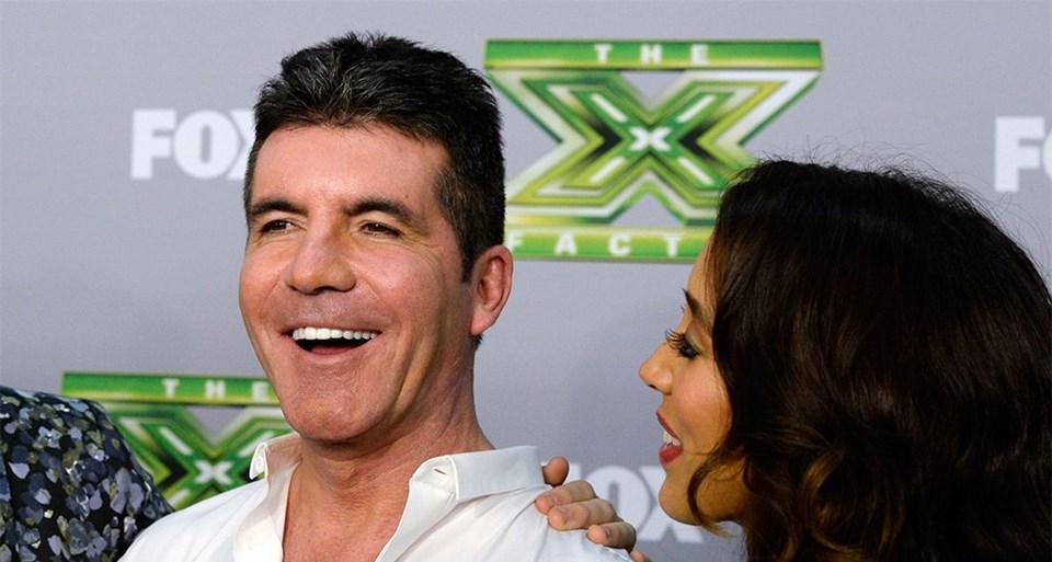 Simon Cowell (55) X Factor yarışmasının sivri diliyle tanınmış jüri üyesi...