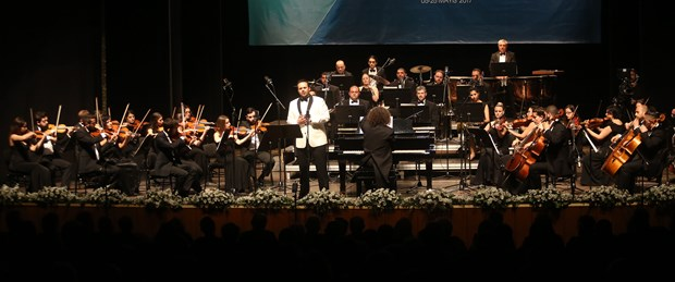opera-aryalari-azeri-turkulerle-bulustu_1185_dhaphoto1.jpg