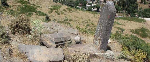 bitliste-osmanli-donemine-ait-yeni-mezar-taslari-bulundu_7321_dhaphoto1.jpg