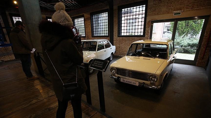 Fiat'ın, İtalya dışında ortak olduğu şirketlerin ürünlerinin Fiat adını taşımasını istememesi üzerine, TOFAŞ ve Fiat yetkilileri söz konusu modelde kullanmak üzere isim arayışına girdi.