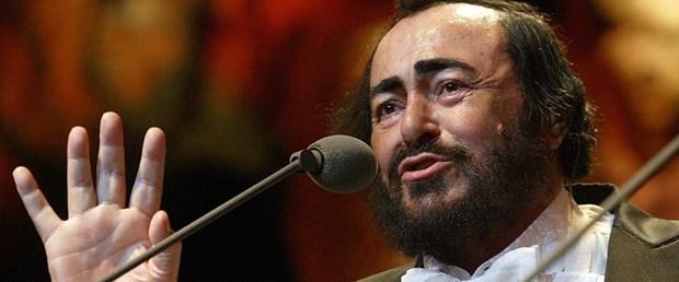 luciano-pavarotti-132481l.jpg
