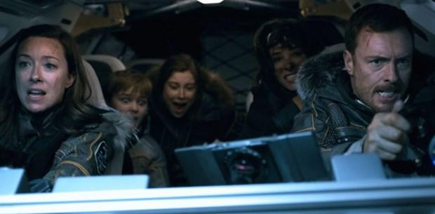 Yeni Netflix dizisi Lost in Space in kamera arkası