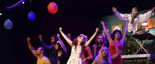Tiyatroda Şenliği (4).jpg