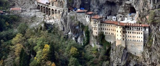 sumela-manastiri-haziranda-yeniden-ziyarete-acilacak_1745_dhaphoto3.jpg