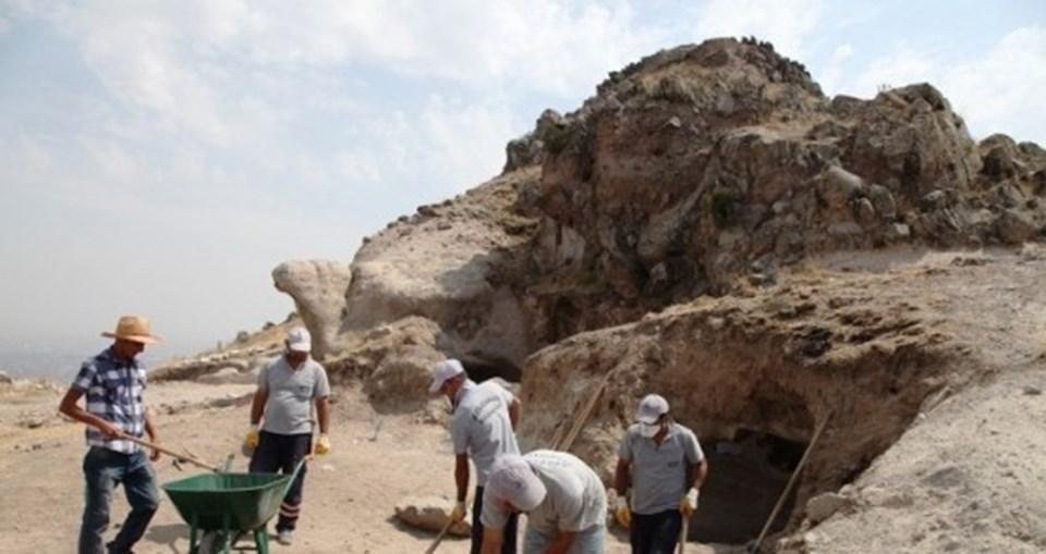 ARŞİV - Gevele Kalesi'ndeki kazı çalışmalarından