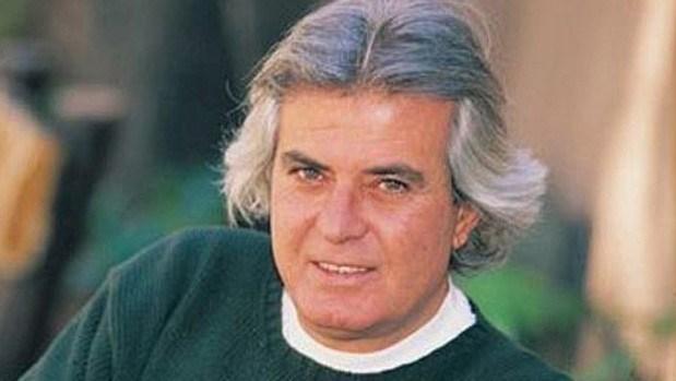16 Eylül 2016'da aramızdan ayrılan Yeşilçam'ın en sevilen oyuncularından biri olanTarık Akan 100'ün üzerinde filmde yer alarak adını Türk sinema tarihine yazdırdı. Gerçek adıTarik Üregül olan Akan,sinema kariyerine 1970 yılında Ses dergisinin oyunculuk yarışmasına katılarak sinema dünyasına adım attı.