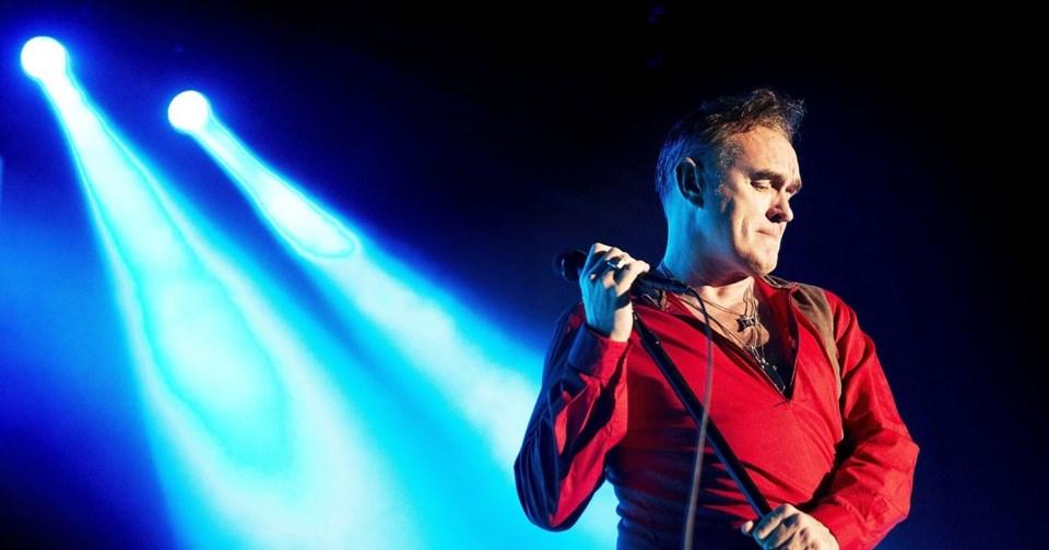 Morrissey, The Smiths grubu dağıldıktan sonra kariyerine solo şarkıcı olarak devam etti.