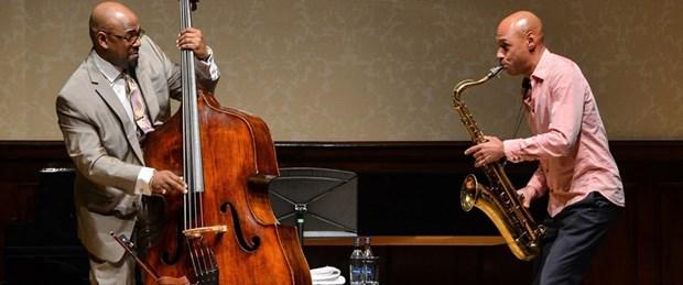 Christian McBride ve Joshua Redman.jpg