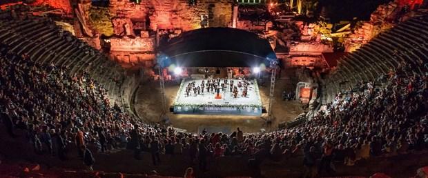 turk-rus-klasik-muzik-festivaline-antik-tiyatroda-muhtesem-kapanis_2963_dhaphoto2.jpg