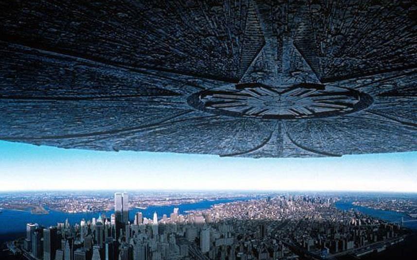 17. Independence Day filminde dünyayı işgale gelen uzaylılar