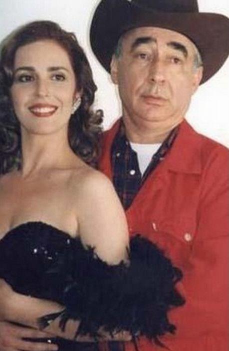 Şerif Gören'in yönettiği 'Amerikalı'da başrollerde Lale Mansur ve Şener Şen rol aldı.