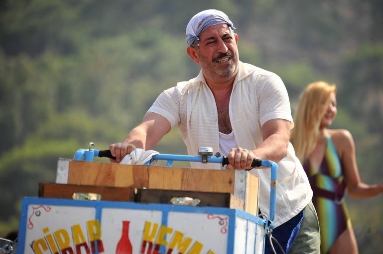 'İftarlık Gazoz' filminde başrolde Cem Yılmaz yer aldı.