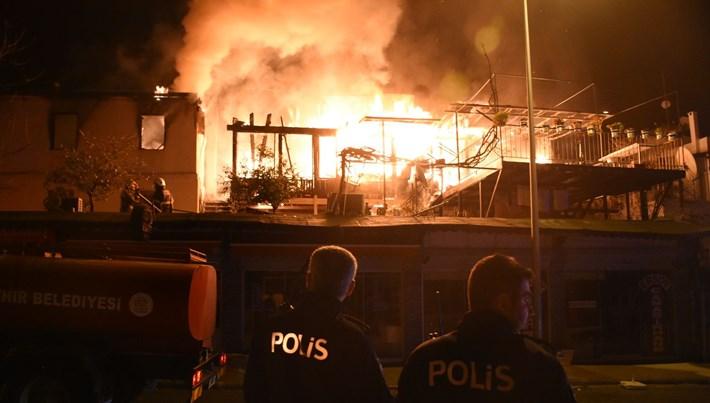 Muğla'da çıkan yangın dört evde hasara neden oldu